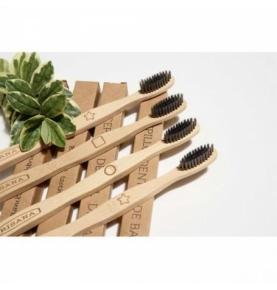Cepillo dental de bambú y Carbón activo, Irisana (4 unidades)  de IRISANA S.A